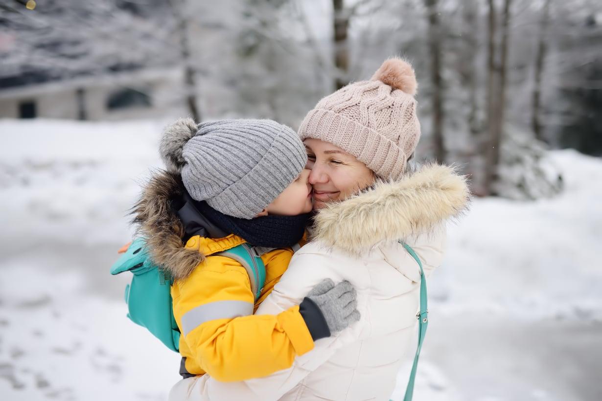Lapsen kysymyksiin omasta alkuperästään on hyvä vastata mahdollisimman avoimesti. Tärkeintä on luoda lapselle tunne, että vanhemmat halusivat juuri hänet tähän perheeseen. Kuva: iStockphoto.