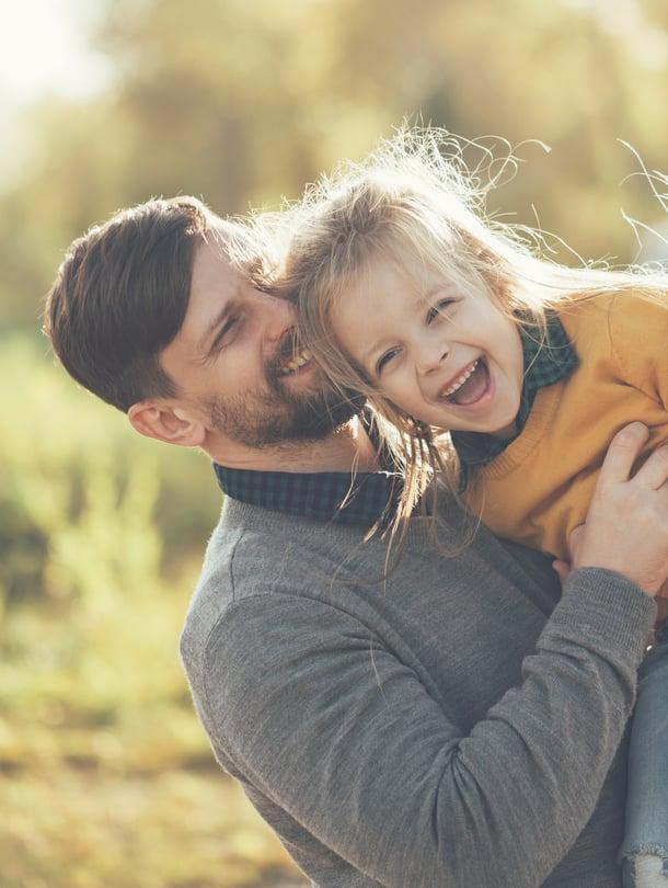 """Vanhemman tulee tarkkailla ja kunnioittaa lapsen viestejä. Se, mikä on yhden mielestä riemukas leikki, on toiselle liikaa. Kuva: <span class=""""photographer"""">iStockphoto</span>"""