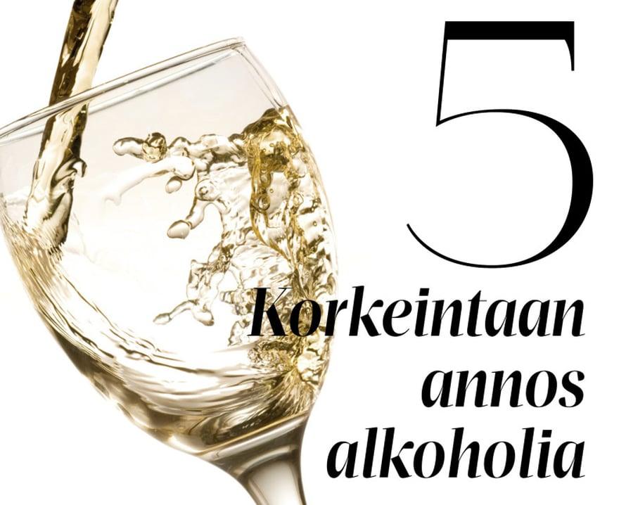 Saunakaljan tai lasillisen valkoviiniä voi yleensä huoletta juoda lääkekuurin kanssa. Kännääminen ei sovi yhteen minkään kuurin kanssa, sillä se voi muuttaa monien lääkkeiden vaikutusta. Erityisesti verenohennuslääkkeet ja alkoholi ovat vaarallinen cocktail, koska se lisää onnettomuus- ja verenvuotoriskiä.