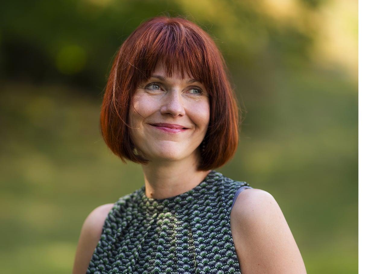 Heli Pruukin mielestä vanhemman pitäisi pystyä välittämään lapselle viesti, että aina voidaan puhua ja selvittää asiat, ne vaikeimmatkin. Kuva:  Jani Laukkanen