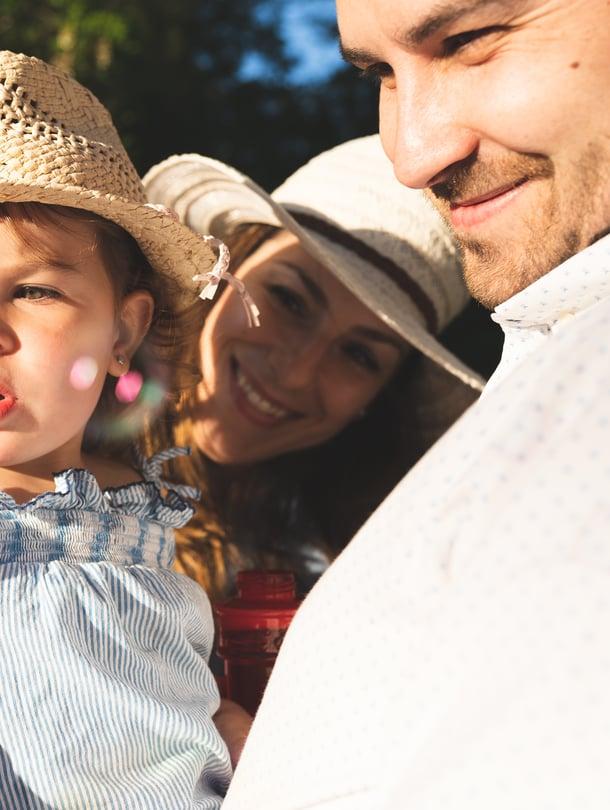 Saippukupla, bubble vai sekä että? Kaksikielisyydessä on tärkeää, että lapsi kuulee riittävästi molempia kieliä.