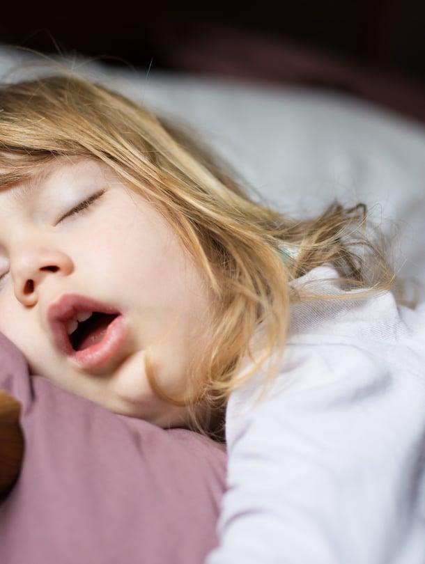"""Joka kolmas lapsi kuorsaa ainakin silloin tällöin. Kuva: <span class=""""photographer"""">iStockphoto</span>"""