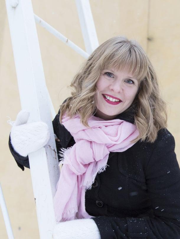 """Puhukaa, on parisuhdevalmentaja Paula Immon ykkösneuvo vauvavuotta eläville vanhemmille. Kuva: <span class=""""photographer"""">Janica Karasti </span>"""