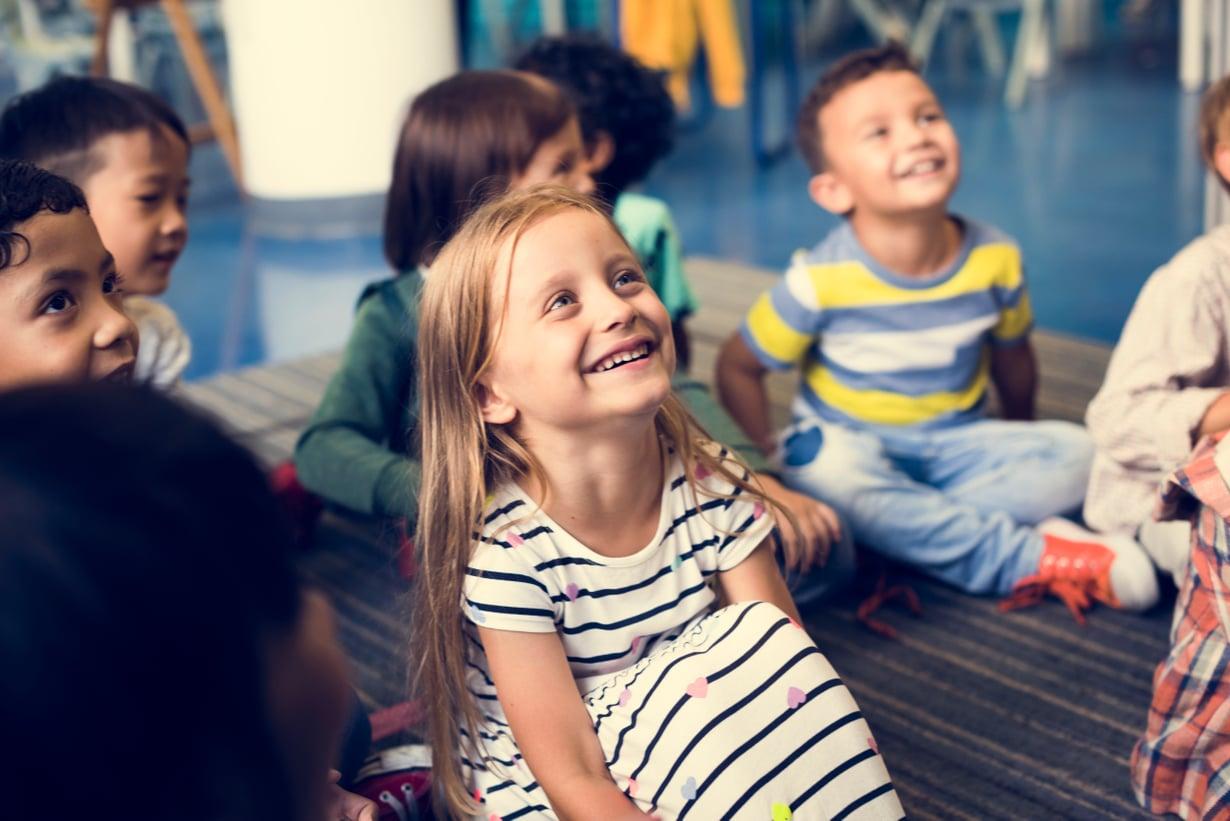 Lapsilla on paljon erilaisia vahvuuksia, joten on outoa yrittää laittaa lapsia samalle viivalle, sanoo opettaja Anna Karjula.