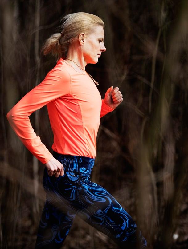 Entinen huippu-urheilija ja nykyinen psykoterapeutti Kirsi Valasti laati ohjelman, jolla pyrähdät juoksuun.