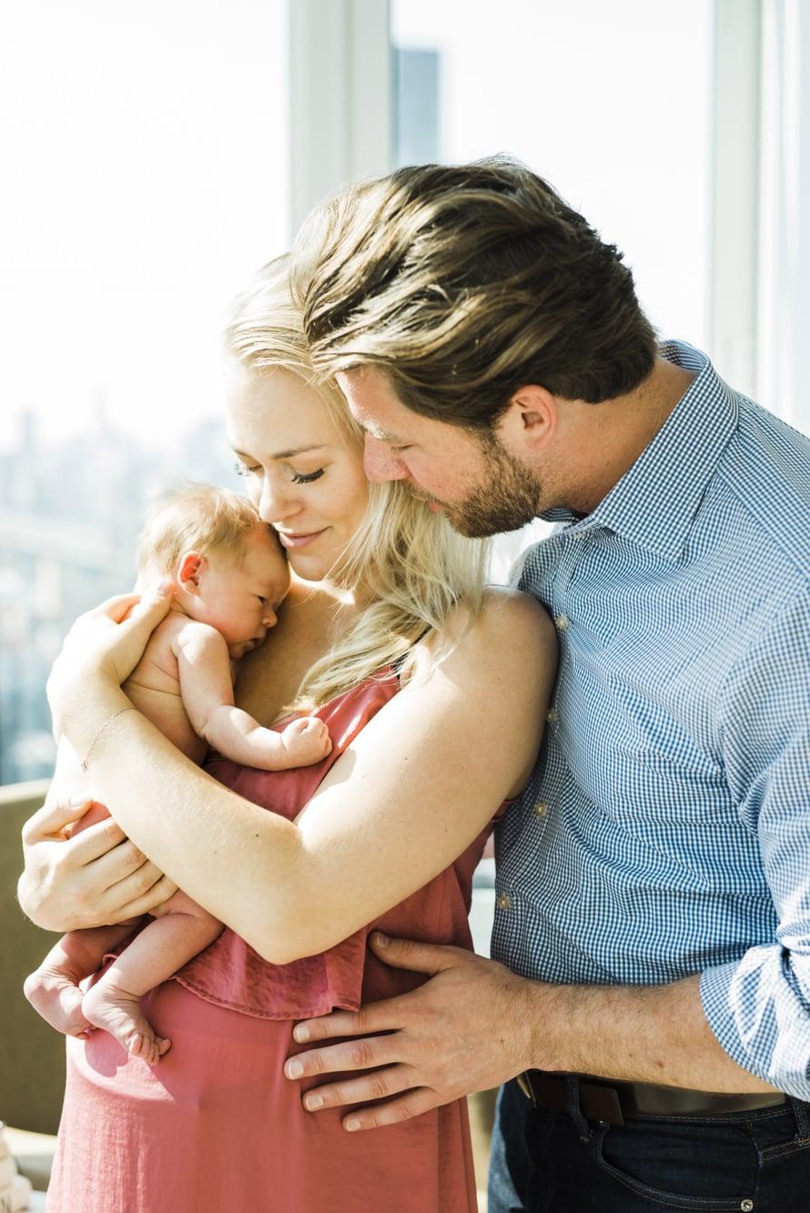 Kristan ja Kevinin esikoistytär syntyi toukokuussa. Kuva: Apollo Fields Photo