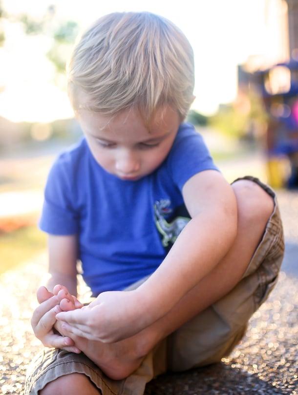 Sattuuko se? Jos jalkapohjan syylä kipeytyy ja haittaa liikkumista, sen häviämistä kannattaa nopeuttaa.