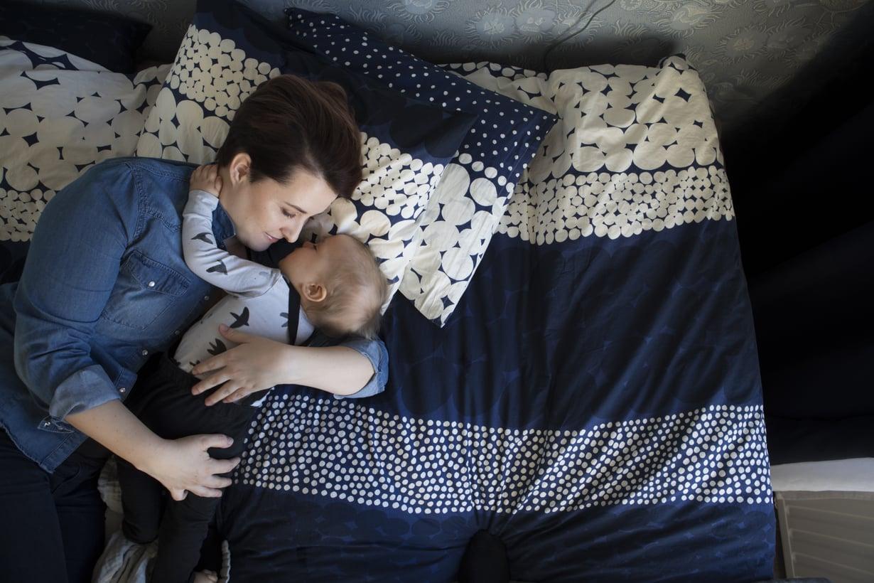 – Väsymys ei liity mitenkään siihen, kuinka paljon rakastaa vauvaansa. Kuka vain voi väsyä, Marjut Ollila muistuttaa. Kuva: Suvi Elo