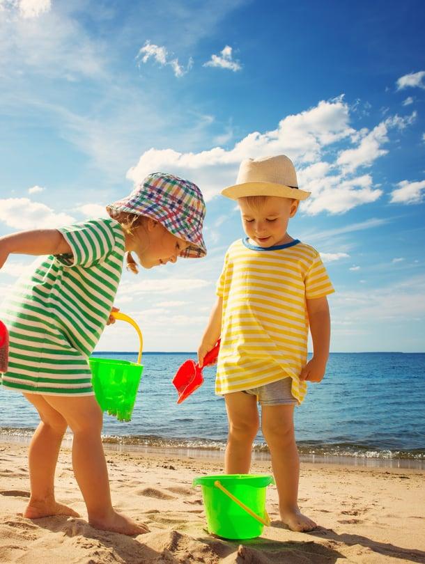 """Tule hyvä kakku. Kun päässä on hattu, auringonpistoksen vaara on minimaalinen. Kuva: <span class=""""photographer"""">iStockphoto </span>"""