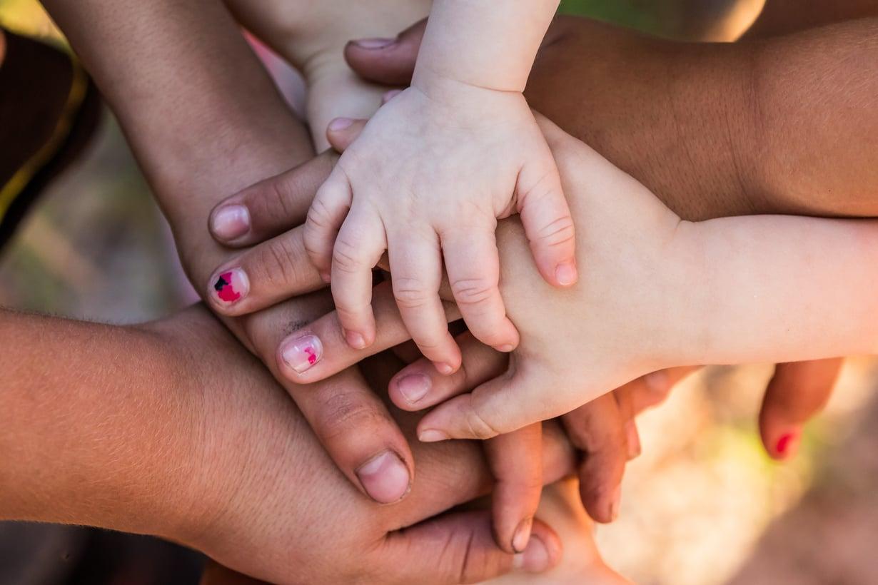 Uusperheen arki toimii, kun kaikki kokevat olevansa perheessä yhtä tärkeässä roolissa. Kuva: iStockphoto