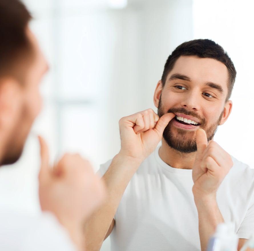 Puhdista hammasvälit joka päivä.