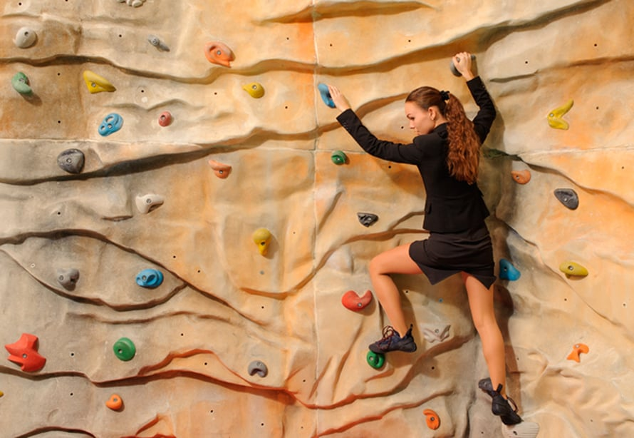 Boulderoinnissa ei nousta päätähuimaaviin korkeuksiin.