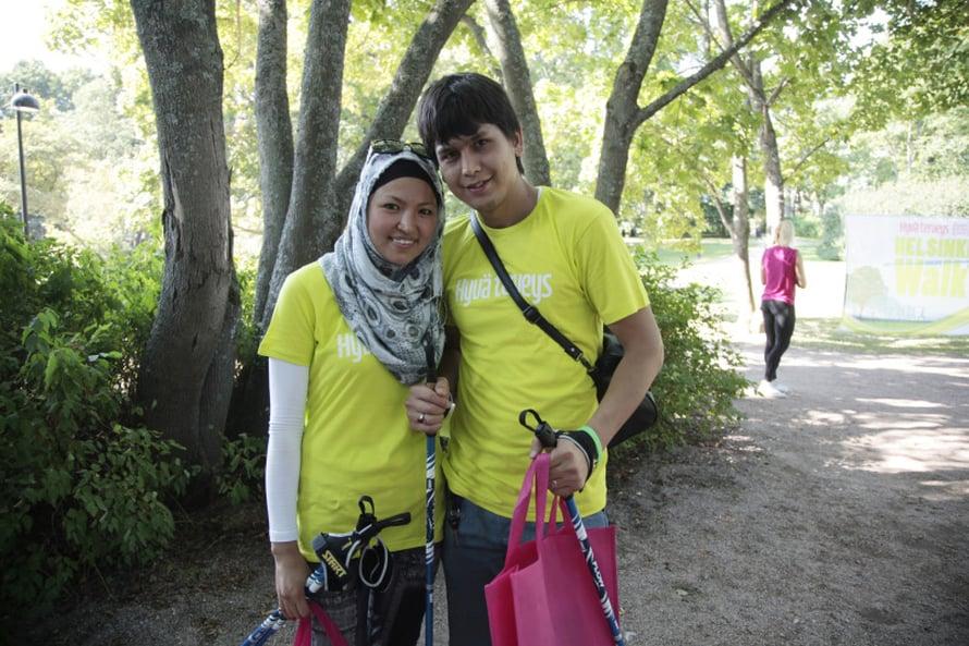 Maalissa! Maryam Mehrzad ja avio-mies Karim Ali Abdul Nawroz iloitsivat.