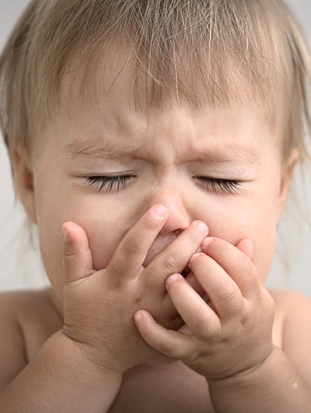 """Suuhun sattuu. Enterorokon rakkulat voivat tehdä syömisestä kivuliasta. Siksi kipulääkitys on tärkeää. Kuva: <span class=""""photographer"""">iStockphoto</span>"""
