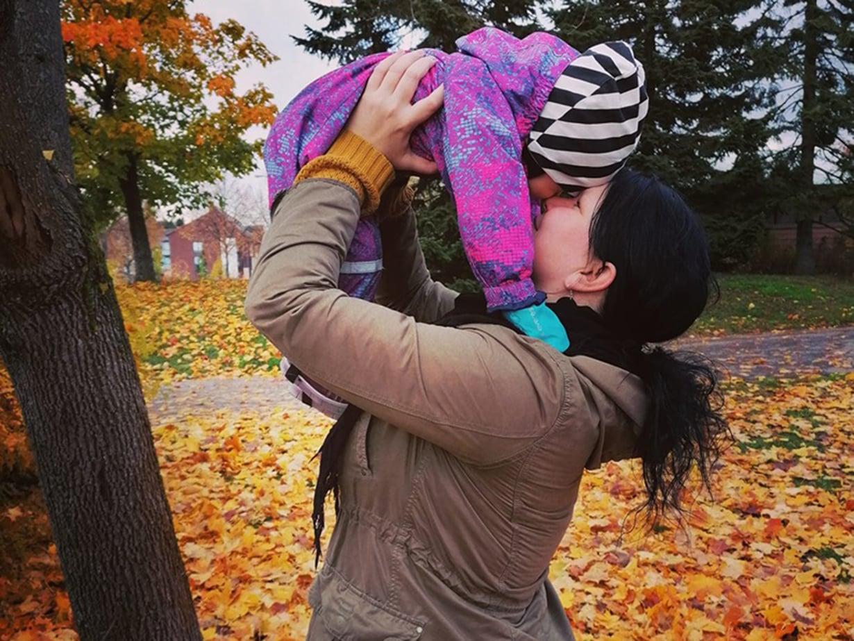 Heidi Forsell kirjoittaa Uuden elämän selviytymisblogia. Blogin avulla Heidi haluaa tarjota vertaistukea muille erityislasten vanhemmille.
