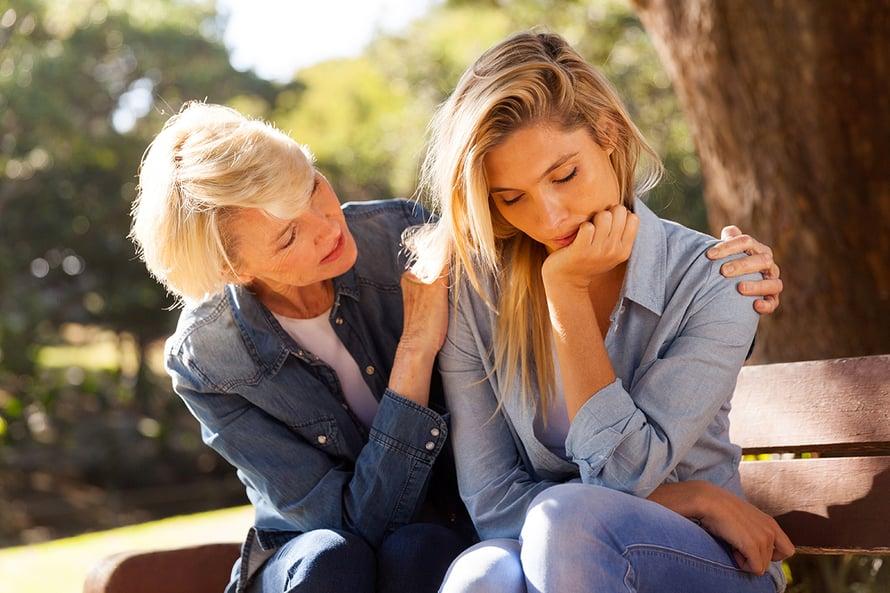 ylihuolehtiva äiti ja tytär kuinka suhde paremmaksi