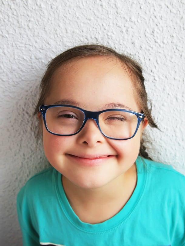 """Nää on mun! Kun lapsi tykkää laseistaan, ne eivät unohdu käytöstä. Kuva: <span class=""""photographer"""">iStockphoto</span>"""