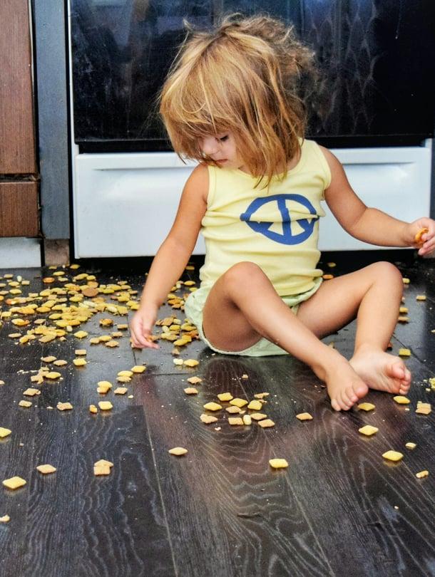 Sisarkateuteen auttaa parhaiten se, että vanhemmat hyväksyvät lapsen väliaikaisen taantuman.