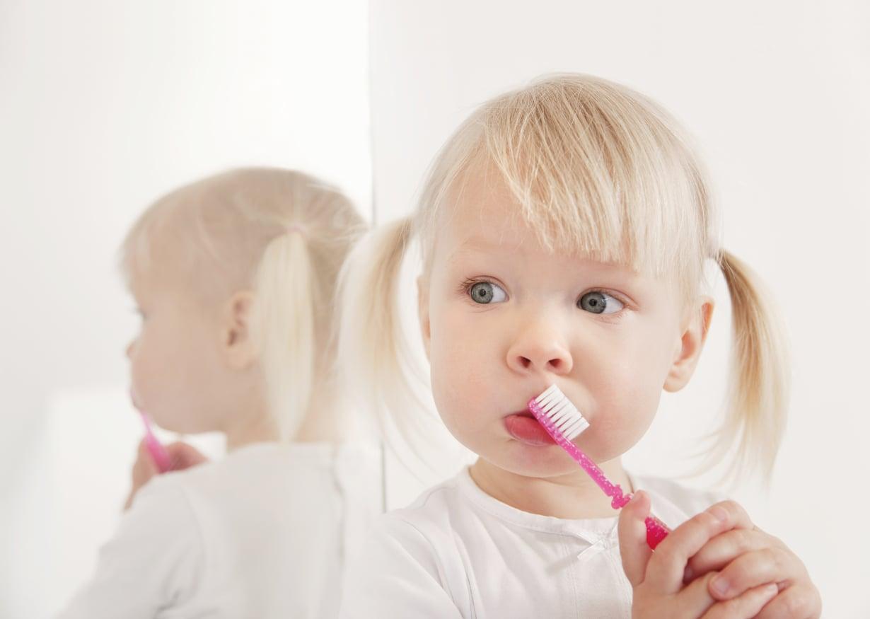 Ripaus palkitsemista, hyppysellinen hauskuutta. Niistä on hyvä hampaidenpesutuokio tehty. Kuva: Getty Images
