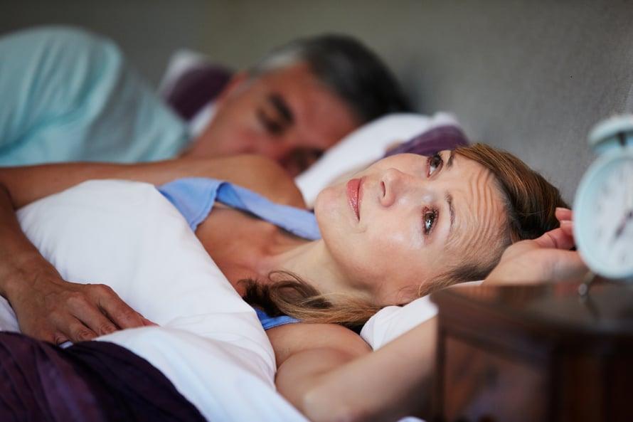 Vaihdevuodet unettomuus hormonihoito