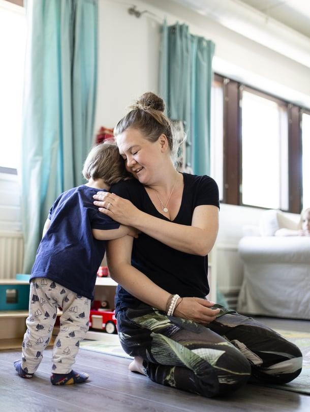 Espoolaisen Päiväkotipolun varhaiskasvatuksen opettaja Jenni Manner korostaa, että vanhemmat ovat lapsensa asiantuntijoita.