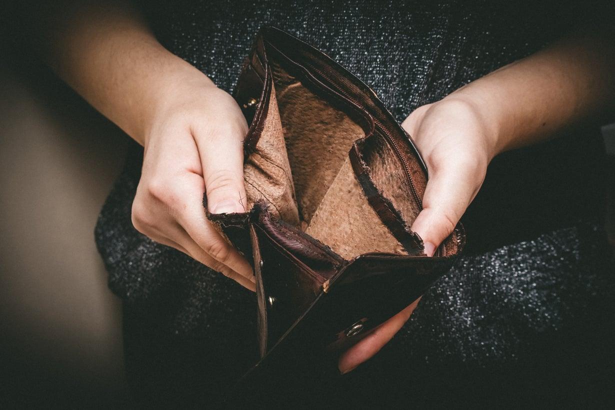 Kun toimeentulotuki oli pelkästään kuntien sosiaalitoimen myönnettävänä, maksusitoumuksen ruokakauppaan saattoi saada heti. Nyt tilanne on toinen. Kuva: iStockphoto