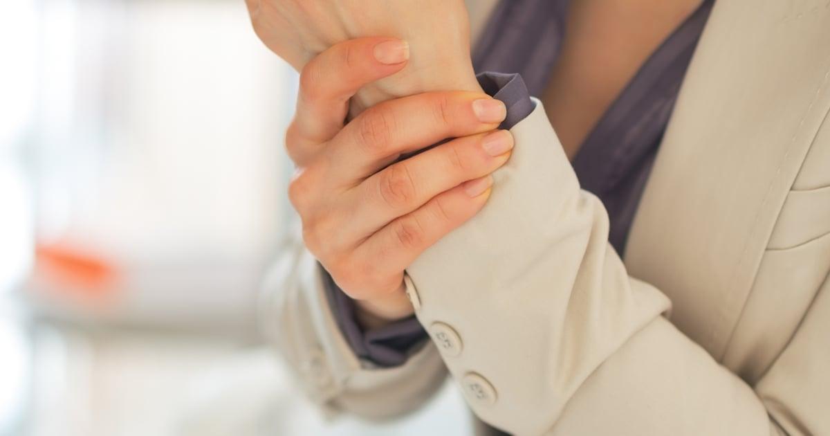 Vasemman Käden Puutuminen