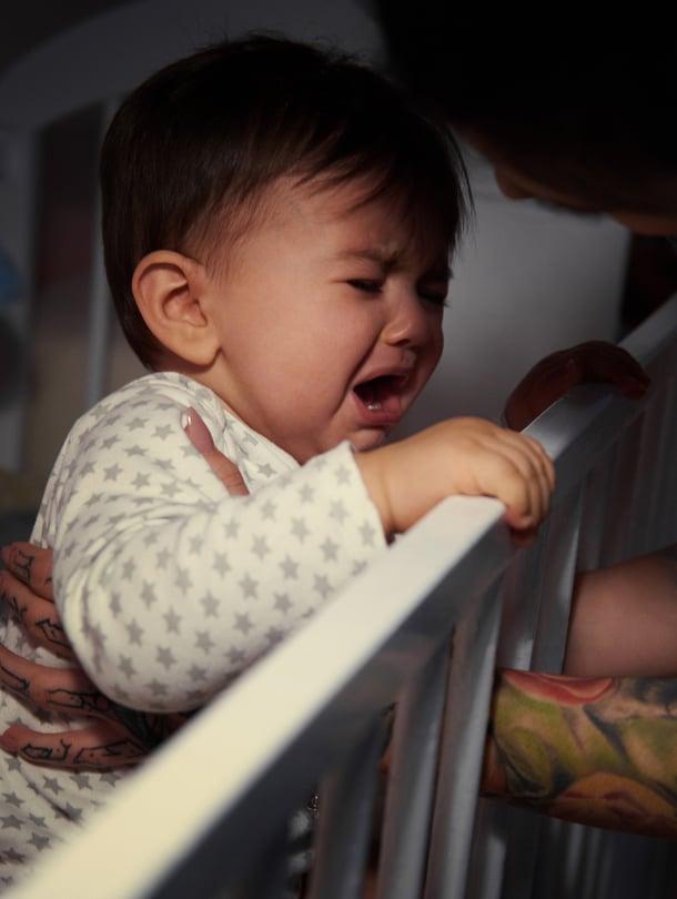 """Jokaisella lapsella on yksilöllinen unirytmi. Jotkut nukkuvat pitkät yöunet vasta vanhempana. Kuva: <span class=""""photographer"""">iStockphoto</span>"""
